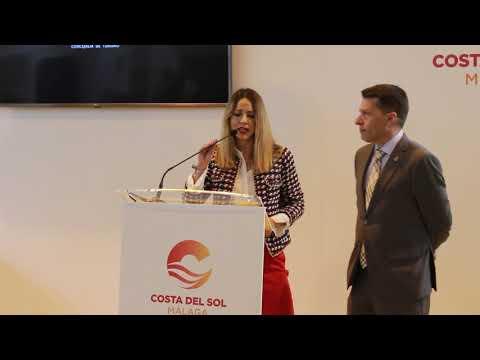 Segunda parte de la presentación de Torrox en Fitur 2019 a cargo del alcalde, Óscar Medina, y la edil de Turismo, Sandra Extremera