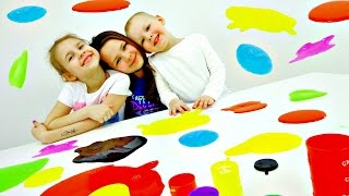 Разноцветные ЛИЗУНЫ. Смешное видео. Ксюша, Настя, Вова и Необычные игрушки