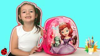 Первый день Алисы в школе. Back to school. Звонок на урок. Видео для детей.