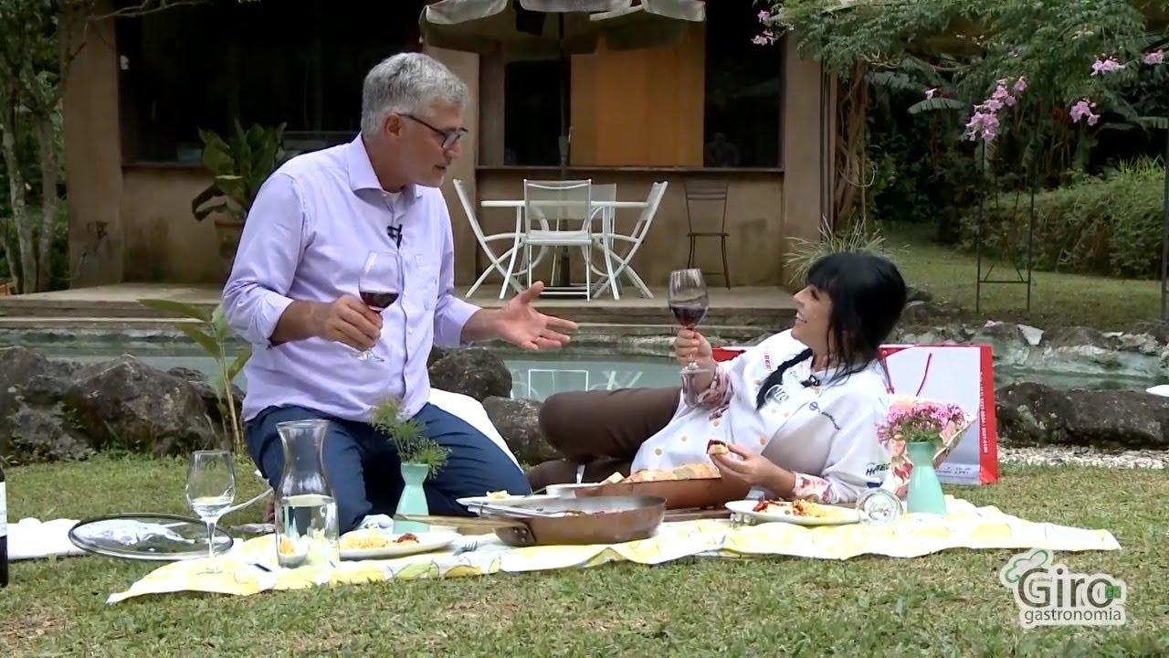 Giro visita na residência do famoso Artista Plástico e Chef de cozinha Felipe Senatore