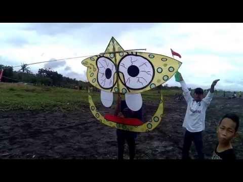 Layangan Koplak Sponge Bob, Doraemon Dan Pokemon Pikachu Di Festival Layang- Layang Cilacap 2016