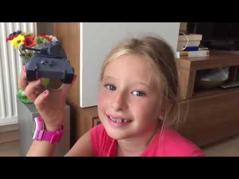 My daughter's first plastic model kit: Meng World War Toons