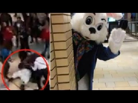 Mall Easter Bunny Throws Punches At Parent (VIDEO)