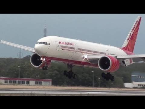 CLOSE Air India 777 Landing