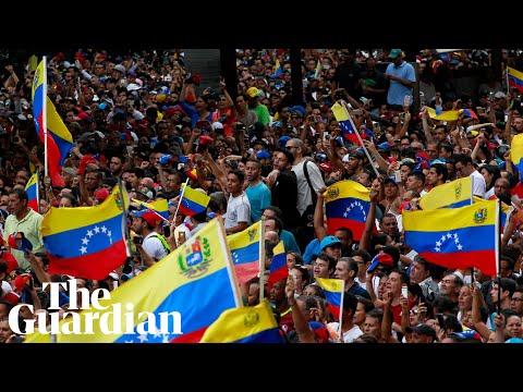 Venezuela: Juan Guaidó declares himself interim president after mass protests