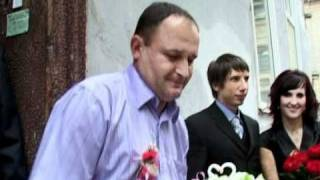 Весела весільна брама у Львові