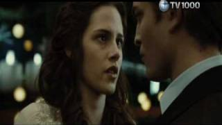 10 Hottest Moments from Twilight