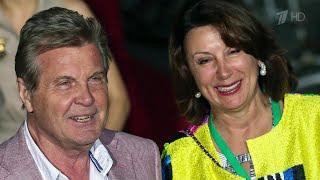 Народный артист Лев Лещенко и его супруга легли на обследование в больницу в Коммунарке.