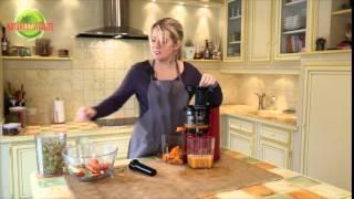 Extracteur de Jus vertical Omega VSJ843 : recette de jus et laits végétaux