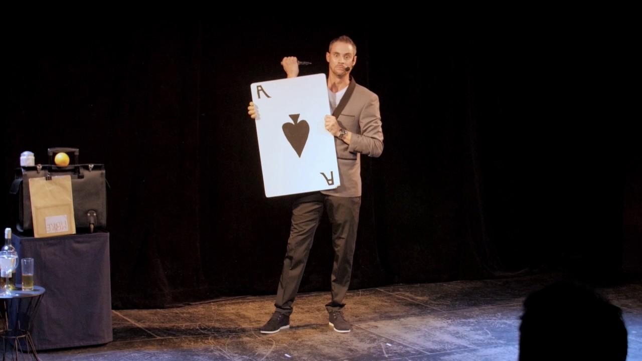magicien Lyon spectacle JC Tomassini - YouTube
