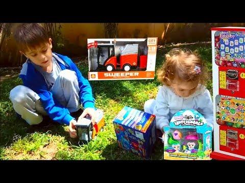 Vlog в магазине игрушек/машина мусоровоз и хэтчималс/play Set Hatchimals Toy Truck Sweeper/for Kids