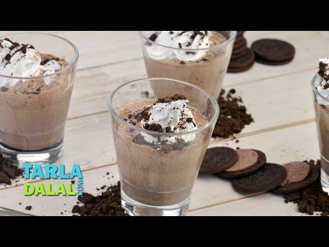 oreo-milkshake/-quick-and-tasty-oreo-cookies-milkshake-recipe-by-tarla-dalal