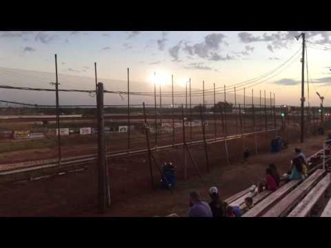 7/16/16 Abilene speedway heat race
