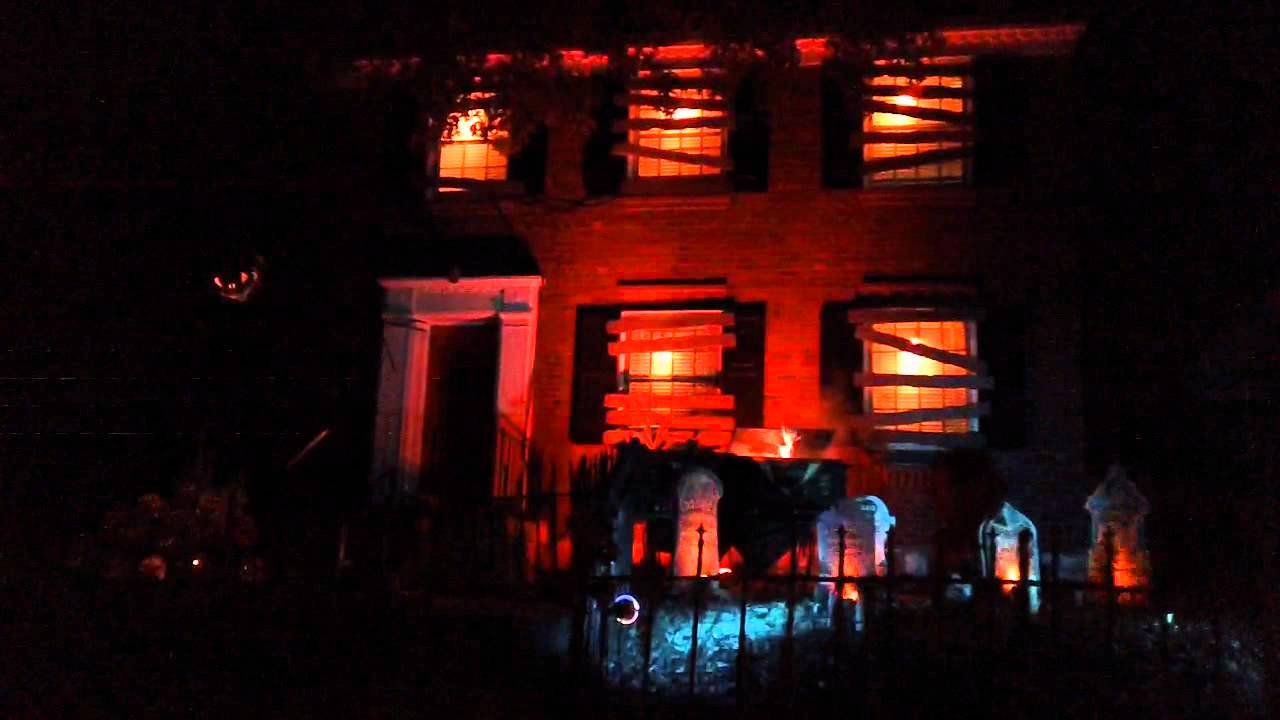 Biggest House Ever >> South St. Louis Halloween Light Show: Haunted House - YouTube