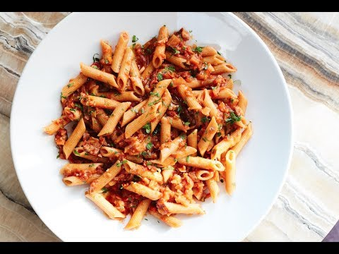 WHOLE WHEAT CHICKEN PASTA RECIPE | MUSCLE BUILDING