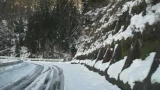 エスティマハイブリッド(4WD)の雪道登坂性能 12%勾配 滋賀県 姉川ダム