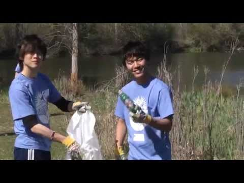 Students volunteer to clean up