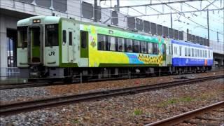 信州DC開催により期間限定運行中、キハ110系「飯山線の四季」。