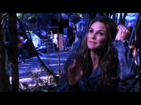 Kass Morgan  The 100's Paige Turco