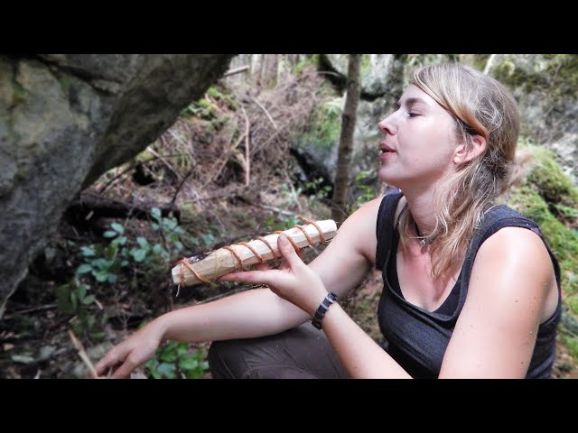 Making a primitive Bushcraft Pipe for Herbs or Tobacco