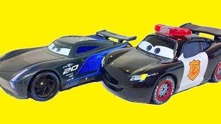 Тачки 3 Дисней Молния МакКуин vs Джексона Шторма Мультики про Полицейские Машины