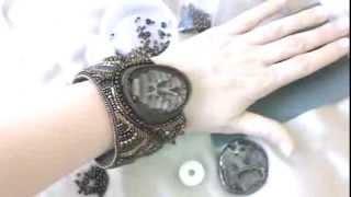 Вышитый бисером браслет