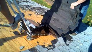 Pneumatic powered roof shingle removal tool tears off the toughest roofs - RapidRoofRemover.Com