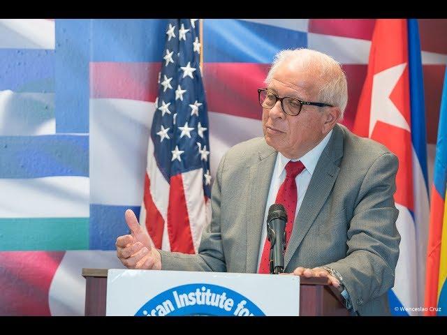 Tomas Regalado - Sesión de Honor - Presentación del Presidente del IID