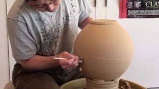 4. Trimming a Large Vase on the Chuck with Hsin-Chuen Lin