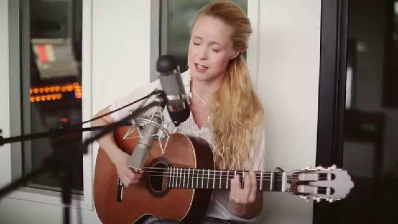 Tina Dickow Saybia Medley - YouTube