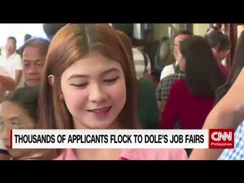 Thousands Of Applicants Flock To DOLE's Job Fair