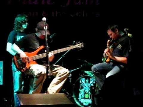Dual Bass Duet Jam  (with Guitar and Drums) = Sinclair & Lauber {Calgary, 2011}