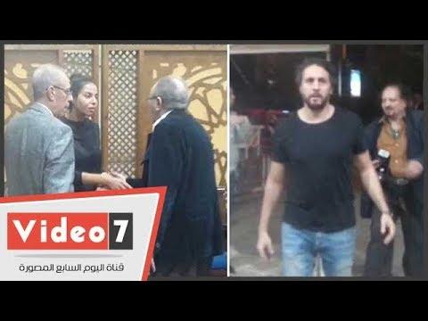 نبيل الحلفاوى وهشام ماجد فى عزاء والد الفنانة نسرين أمين  - نشر قبل 4 ساعة