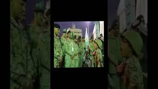 بالفيديو.. قائد المنطقة الشمالية يهدي ساعة يده لطفل برع في إلقاء قصيدة في حضوره