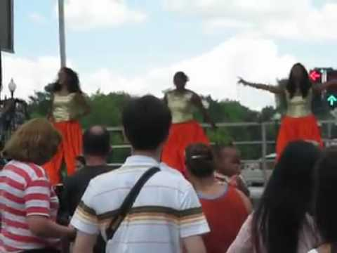 Doonya Dance lesson at Fiesta Asia 2010
