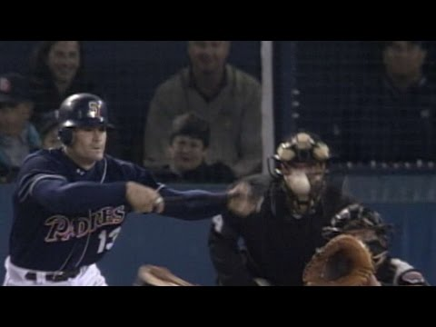 davis'-bunt-single-breaks-up-schilling's-perfect-game-in-2001