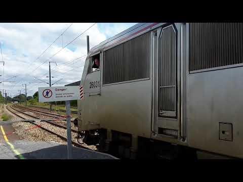 SNCF 26031 met Intercity van station Bayeux