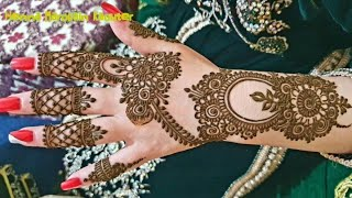 نقشة الأميرات للعروس شكل رائع و يد رائعة 🥰 Princesses painted with henna in a wonderful hand