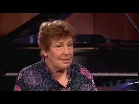 HELEN REDDY - 2014 INTERVIEW WITH ERNIE MANOUSE, PART 1