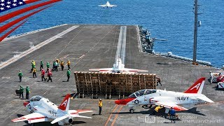 空母でT-45練習機の発艦・着艦を行う米海軍のパイロット訓練生
