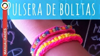 Repeat youtube video Tutorial. Cómo hacer PULSERAS DE GOMITAS O LIGAS con BOLITAS *** Modelo  (Illusion bracelet)***