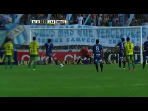 El gran ídolo tucumano: el Pulga Rodríguez llegó a los 100 goles en Atlético