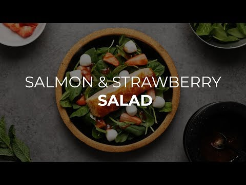 Salmon Salad with Strawberries and Spinaches Healthy Recipe