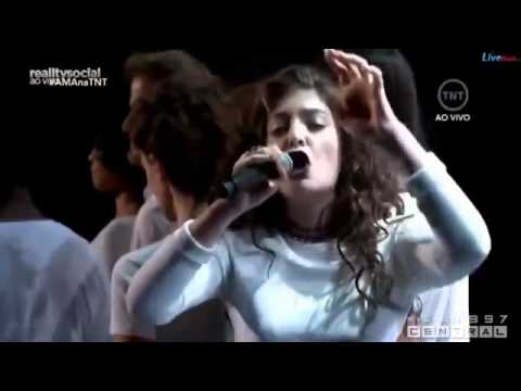 LORDE Yellow Flicker Beat from Mockingjay PART 1 - Live at American Music Awards #AMAs