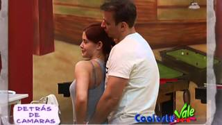 Repeat youtube video Tania y Raul metiendose mano.