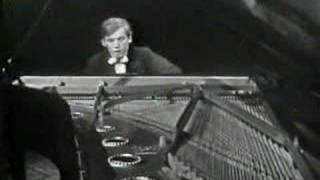 Glenn Gould - Bach Concerto in D minor (1 of 3)