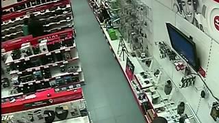 В Кирове мужчина ограбил магазин на Пролетарской