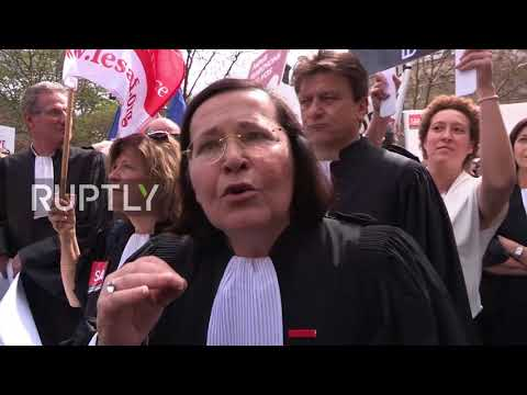 France: 'Judges not robots' – Lawyers protest justice reforms in Paris