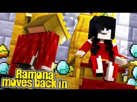 RAMONA MOVES BACK IN AND BECOMES MY NEW MOM?! w/Little Carly (Minecraft).