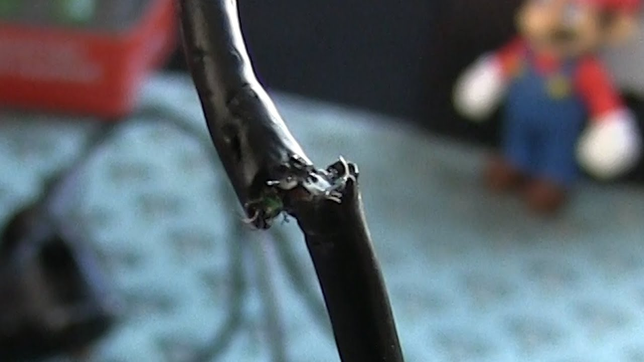 Fixing a Severed Xbox 360 Controller Cable - YouTube